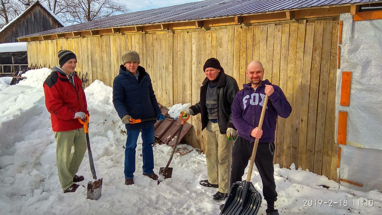 уборка снега в зимнее время